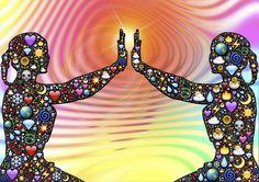 Vrouwen met energie #energie, #goddelijke, #silhouet, #vrouwen, #vrouw #silhouet, #vrijheid,  #geluk, #joy, #symbool, #spiegelbeeld #kleurrijk, #mystiek, #magische ,