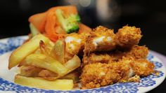 Healthy Fish Goujons New Recipes, Cooking Recipes, Tray Bakes, Chicken Wings, Cod, Broccoli, Food And Drink, Menu, Cooking