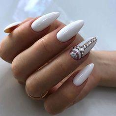 Long White Nails, White Gel Nails, Almond Acrylic Nails, White Nail Art, White Almond Nails, Long Almond Nails, Nail Pink, Neutral Nails, Stylish Nails