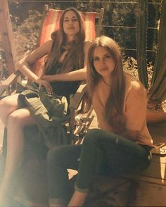 Lana Del Rey with her sister Chuck