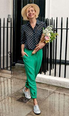 Printemps... un pantalon plein de couleur pour une bonne humeur avec des chaussures argentées ♥