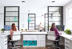I used to think working from home was the best thing ever…until I saw the stylish seaside studio of Kristina Crestin Design! The vibrant office captured beautifully by photographer Jared Kuzi… House Of Turquoise, Turquoise Kitchen, My Workspace, Home Office, Office Spaces, Work Spaces, Commercial Design, Office Interiors, Second Floor