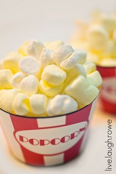 'Popcorn' cupcakes! Will have to do these one night for our Friday movie night!