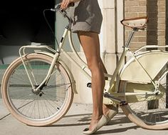 I want an old-fashioned bike this this... but with a basket and a bell :)