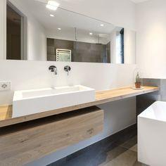 Bathroom Inspo, Bathroom Inspiration, Bathroom Renos, Bathroom Interior Design, Woodworking Tips, Toilet, New Homes, Bathtub, House Styles