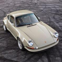 Porsche Classic, Classic Motors, Classic Cars, Porsche Panamera, Porsche Autos, Retro Cars, Vintage Cars, Singer Vehicle Design, Luxury Real Estate Agent