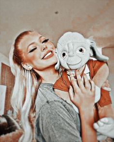 Ariana Grande Cute, Gray Aesthetic, Aesthetic Photo, Portrait Photography Poses, Fan Picture, Colouring Pics, Loren Gray, Girl Celebrities, Famous Girls