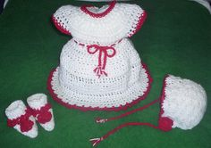 Here is my latest white and red Christmas baby ensemble for newborn to 3 month baby girls.  Made with special shimmer yarn....she is sure to shine in this!