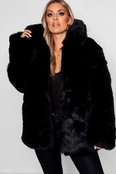 Size 14 US Women's black faux fur coat with collar perfect for winter glam! Long Fur Coat, Black Faux Fur Coat, Fur Coats, Fur Coat Outfit, Winter Coat Outfits, Fur Clothing, Fur Jacket, Padded Jacket, Fur Fashion