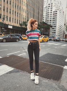 T-Shirts i love - le happy : le happy grunge fashion soft, soft Soft Grunge Outfits, Grunge Fashion Soft, Casual Outfits, Cute Outfits, Fashion Outfits, Womens Fashion, Style Grunge, Fashion Edgy, Fashion Trends