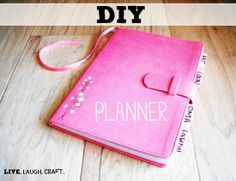 DIY Planner - Cute idea out of a journal