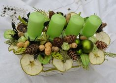 Christmas Flowers, Christmas Candle, Green Christmas, All Things Christmas, Christmas Wreaths, Christmas Arrangements, Christmas Table Decorations, Decoration Table, Aussie Christmas
