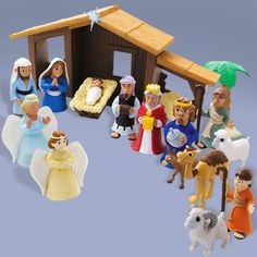 Tales of Glory Nativity play figurine set includes 17 pieces in full color, designed for kids age 3 and up. Experience the true story of the birth of Jesus Christ with detailed people and animal figur
