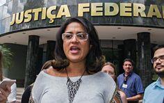 A contadora de Alberto Youssef, Meire Poza havia denunciado o esquema do Petrolão no ano de 2012 e a Policia Federal engavetou as provas ate o ano de 2014.
