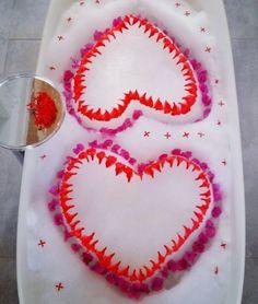 Kuramathi sculpted suds Maldives, Sculpting, Tub, Cookies, Desserts, Food, The Maldives, Crack Crackers, Tailgate Desserts