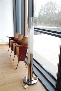 Lampada canne opaline € 450,00 - sedie cinema €135,00 info@fabbricax.com