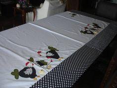 Este kit contém:  puxa saco  capa de bombona 20 l  toalha de louça  toalha de fogão 50 X 50  As peças podem ser vendidas separadamente.  Pode ser feito nas tonalidades que desejar, conforme disponibilidade de tecidos.  Pode se agregar outras peças de cozinha que você quiser.  Utilizamos tecidos 1...