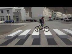 Eye-popping Icelandic crosswalk brings traffic to a crawl | MNN - Mother Nature Network
