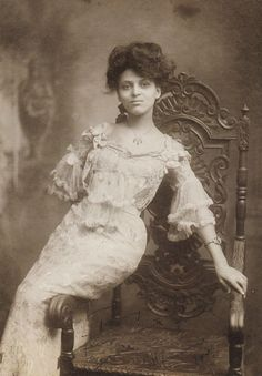 Minnie Brown (1883-?). Exotic beauty. Natural. Edwardian Era