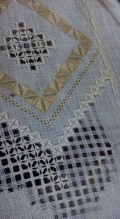 Rize Blackwork Embroidery, Lace Embroidery, Hand Embroidery Designs, Cross Stitch Embroidery, Embroidery Patterns, Drawn Thread, Brazilian Embroidery, Sewing Studio, Bargello