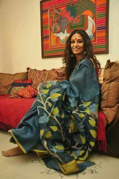 Lettice and vine jamdani motif woven paallu of a grey matka silk saree