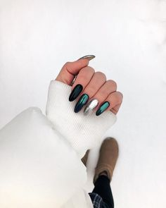 Semi-permanent varnish, false nails, patches: which manicure to choose? - My Nails Nail Art Designs, Elegant Nail Designs, Elegant Nails, Acrylic Nail Designs, Cute Acrylic Nails, Cute Nails, Short Nails, Long Nails, Stiletto Nails