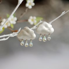 Rain earrings with three drops - Aretes nubes con tres lágrimas