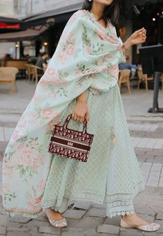 Untitled Casual Indian Fashion, Indian Fashion Dresses, Pakistani Dresses Casual, Indian Gowns Dresses, Dress Indian Style, Pakistani Dress Design, Indian Wedding Outfits, Wedding Dress, Indian Outfits