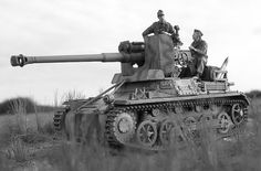 m4a1-shermayne:  @gruene-teufel The Gun is the Pak 40, same thing mounted on the Panzer IVs. The Tank Destroyer in the picture is the Panzerjaeger 1B