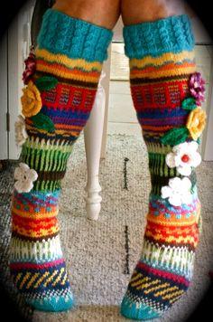 Hei ! Tervetuloa blogiini! Esittelen täällä lähinnä korttejani, neuleitani ja joskus jotain muutakin elämääni liittyvää ! Crochet Socks, Crochet Clothes, Free Crochet, Crotchet, Crochet Patterns, Crochet Ideas, Leg Warmers, Handicraft, Slippers