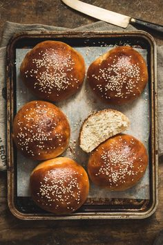 My favorite hamburger buns - airy, soft, thick, fluffy, and simply perfect… Healthy Bread Recipes, Baking Recipes, Dessert Recipes, Desserts, Dairy Free Diet, Hamburger Buns, Dairy Free Options, Easy Bread, Food Places