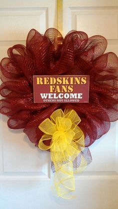 Welcome all your fellow #Redskins fans with a homemade ribbon wreath. #HTTR