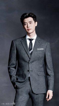 Lee Jong Suk ♡♡ isn't he dashing? Lee Jong Suk Hot, Lee Jung Suk, Lee Jong Suk Kim Woo Bin, Jung So Min, Lee Joon, Korean Men, Asian Men, Lee Jong Suk Wallpaper, F4 Boys Over Flowers
