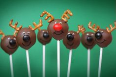 cake+pops+holidays | ... Red-Nosed Reindeer makes a cameo with these festively fun cake pops