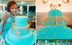 Azul Tiffany e dourado foram as cores da decoração da festa da Riane
