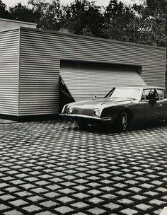 Amazing driveway. Avanti, photography Helmut Newton