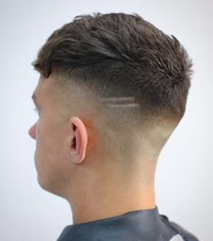 Haircuts with shaved sides are cool, clean cut and easy to wear. Whether it's an undercut or fade, shaved sides emphasize hair on top and make hair seem thicker. Fade haircuts taper down from short to Shaved Side Haircut, High Fade Haircut, Mens Hairstyles Fade, Hairstyles Haircuts, Cool Haircuts, Haircuts For Men, Haircut Men, Short Hair Cuts, Short Hair Styles