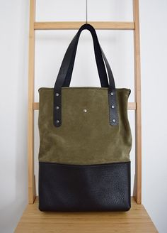 Woodland Green and Black Leather Tote Bag