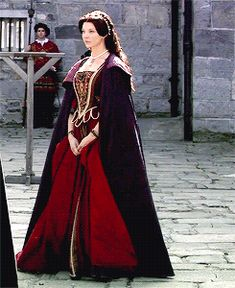 """Anne Boleyn - The Tudors """"Simply Henry"""" Mode Renaissance, Renaissance Clothing, Renaissance Fashion, Natalie Dormer Anne Boleyn, The Tudors Tv Show, Tudor Costumes, Tudor Fashion, Anne Of Cleves, Catherine Of Aragon"""
