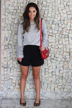 Look da Camis: Tricot Primart, Short NK Store para C&A Bolsa Luiza Barcelos Sapatilha Shoestock Colar Zara