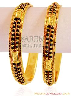 Gold Bangle with Black Beads Gold Bangles Design, Gold Earrings Designs, Gold Jewellery Design, Gold Bangle Bracelet, Bangle Set, Bracelets, Gold Bridal Earrings, Bridal Jewelry, Coin Jewelry