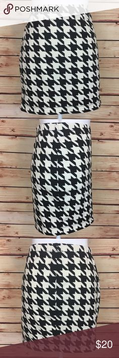 Candies Houndstooth Pencil Skirt Black White Lrg Candie's houndstooth pencil skirt. Black and white. Elastic waist. Material has stretch. 96% polyester, 4% spandex. Size large. Good preowned condition, black has bled a little in one spot, see last photo. Worn once. Candie's Skirts Pencil