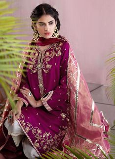 indian designer wear Channel traditional elegance in a striking magenta Kurta fully embellished with zardozi and aari work and finished with banarsi and gota trimmings as well as h Pakistani Fashion Party Wear, Pakistani Formal Dresses, Pakistani Wedding Outfits, Pakistani Dress Design, Indian Fashion, Bridal Suits Punjabi, Muslim Fashion, Wedding Dresses, Beautiful Dress Designs