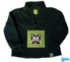 Cat - Green unisex warm sweater with a lovely cat made with two fabric applications./ Polar verde com um amoroso gato by BebuzzyandFriends, €20.00