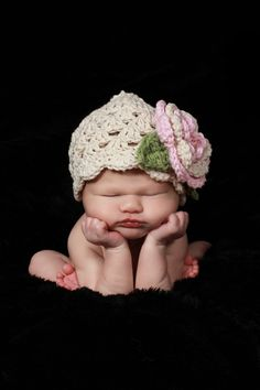 Baby Girl Crochet Hat with Flower Crochet Toddler by Karenisa! This hat as to be the cutest thing EVER!
