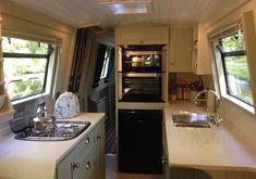 Narrowboat Kitchen, Narrowboat Interiors, Canal Boat Interior, Houseboat Living, Tiny House, Boat House, Grand Designs, Boat Design, Narrow Boat