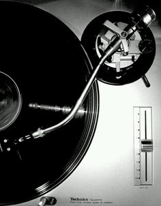A true DJ's weapon of choice technics - released in a DJ standard! Vinyl Music, Dj Music, Music Stuff, Vinyl Records, House Music, Music Is Life, Platine Technics, Technics Sl 1200, Hiphop