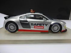 Carrera DIGITAL 124 Audi R8 LMS Safety Car – 23799 -  Scalextric