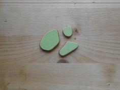 Sea pottery , terracotta di mare, verde brillante, per pendenti, ciondoli, materiali per creare 3 pezzi  lotto78 by lepropostedimari on Etsy