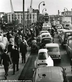 Rush hour: Roger Mayne's 1964 photo shows rush hour on Waterloo Bridge Richmond Bridge, London Bridge, Old London, Vintage London, South London, Roger Mayne, The Iron Bridge, London History, Local History